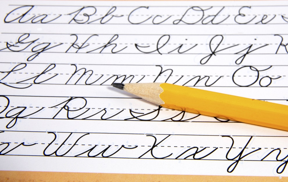 An Illustrative guide how to write in Cursive: Step by Step
